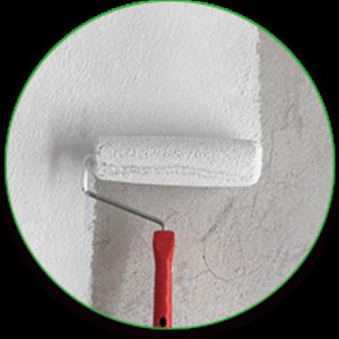 壁の塗装作業