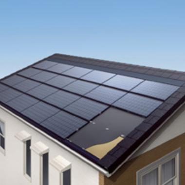ソーラーパネルの設置された屋根