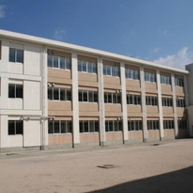 外壁改修工事後 学校