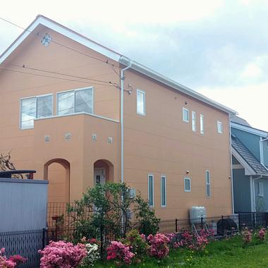 外壁屋根塗装 後高圧洗浄・コーキング打ち変え・塗りの作業