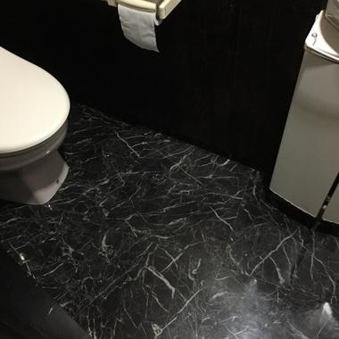 飲食店リノベーション工事 トイレ取付後