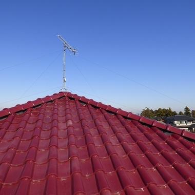 瓦屋根のガイドライン工法 桟木の交換と冠瓦の交換後