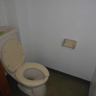 内部塗装工事前後 トイレ