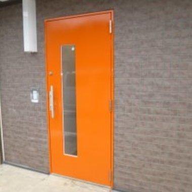 レンタルルームの鉄扉塗装後