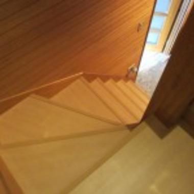 フローリング張替え後 階段上部