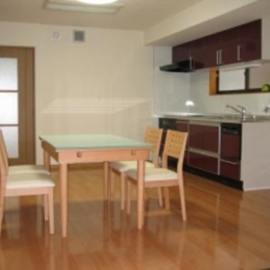 アパート2階部分を居宅へリフォーム後 キッチン ダイニング