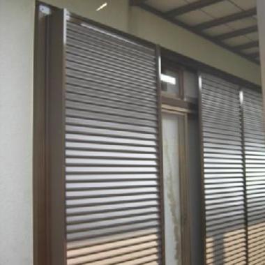 古くなった木製雨戸枠、戸袋 雨戸パネル をアルミ製に交換の施工後写真(0枚目)
