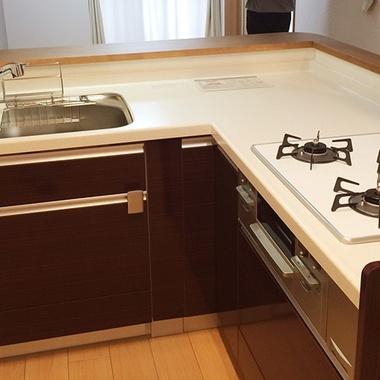 キッチンリフォーム/拡張工事でより広く高級感のあるキッチンにの施工後写真(0枚目)