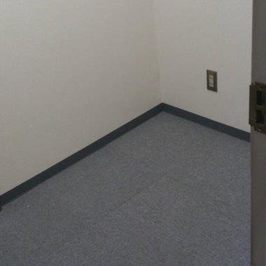 店舗内装工事後 カーペット張替え