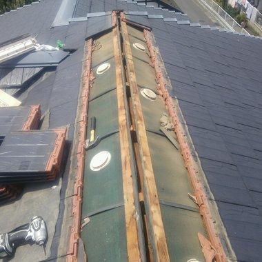 屋根修理工事途中 アップ画像
