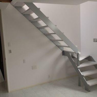 ハウスクリーニング 階段付近 完了