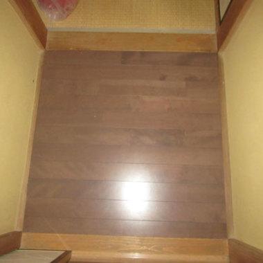 フローリング張替え 完了 階段上部