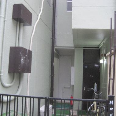 ビル塗装工事 完了 入り口付近