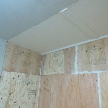 施工中 壁1