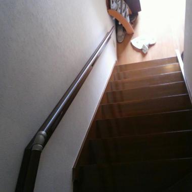 設置後の階段手摺 上から
