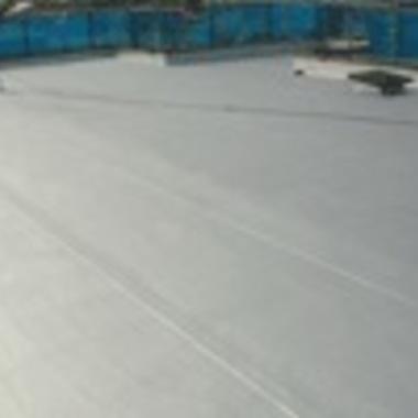 | 防水工事後の屋上床面