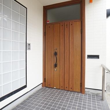 | 施工後の玄関ドア