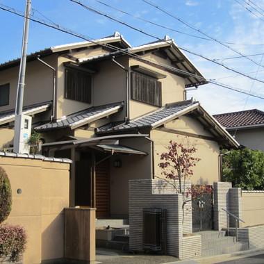 外壁塗装後の住宅外観 正面
