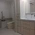 ユニバーサルデザインのトイレと洗面所