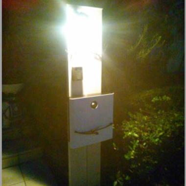 交換後の門柱 点灯