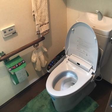 施工後のトイレ 斜め上から