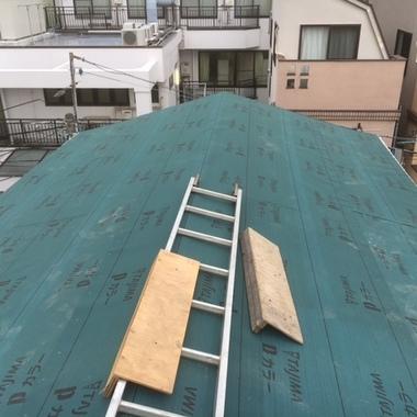 屋根修復中3