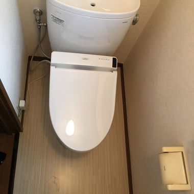 トイレの汚れが気になって気になって。。。の施工後写真(0枚目)