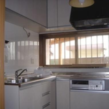 キッチンリフォーム/壁はキッチンパネルの施工後写真(0枚目)