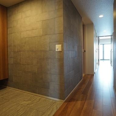 | 施工後の玄関の壁