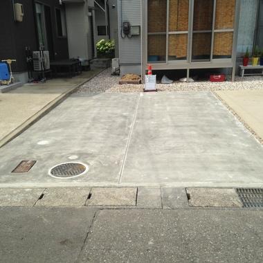 土間工事後の駐車場