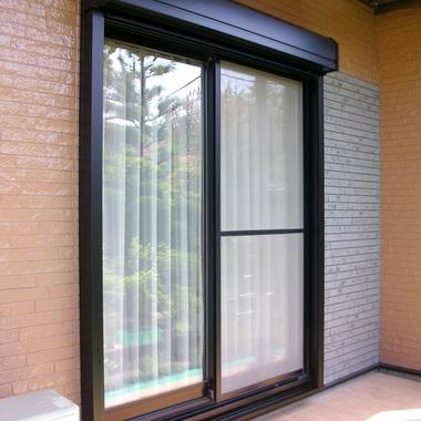 窓シャッター新規取付  (雨戸解体、ひさし加工)の施工後写真(0枚目)