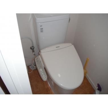 リクシルのアメージュZにトイレに取替の施工後写真(0枚目)