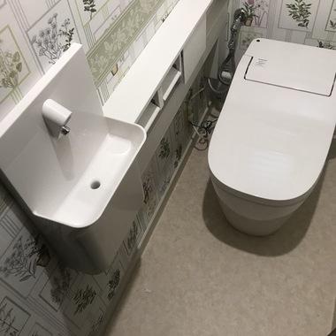 ずっと座っていたくなる理想のトイレ!の施工後写真(1枚目)