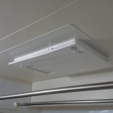 古くなって異音や動かなくなった浴室暖房乾燥機。 最新のタイプは音も静かで経済的!の施工後写真(0枚目)
