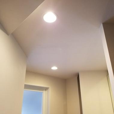 洗面室・天井の壁紙をリフォームの施工後写真(0枚目)