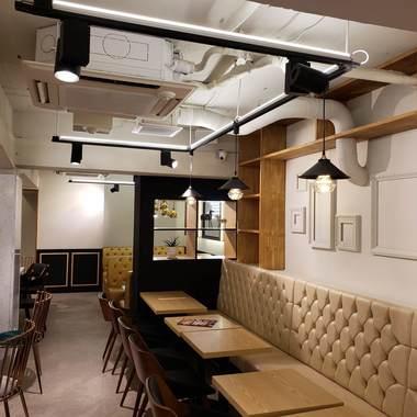 韓国有名なチェイン店・かき氷カフェ店舗内装の施工後写真(2枚目)