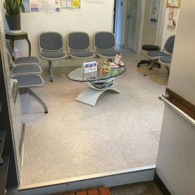 病院の床、土足歩行用長尺シートで丈夫で安心!の施工後写真(0枚目)