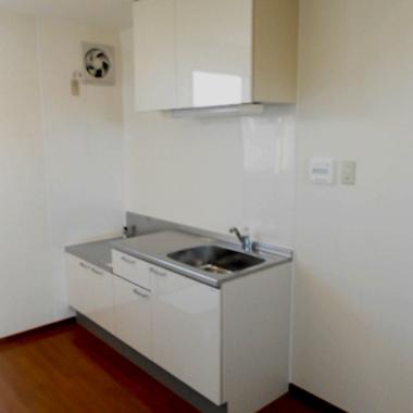 木造の古いアパートのキッチンを学生向け寮のアパートキッチンへの施工後写真(0枚目)