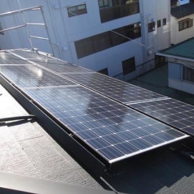 太陽光パネルを設置して電気節約・暮らし快適の施工後写真(0枚目)