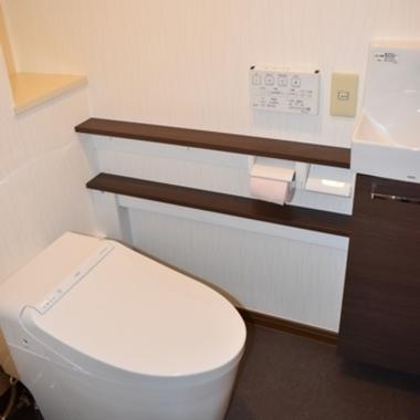 トイレ・内窓リフォームの施工後写真(1枚目)