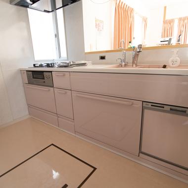 システムキッチン改修工事の施工後写真(2枚目)
