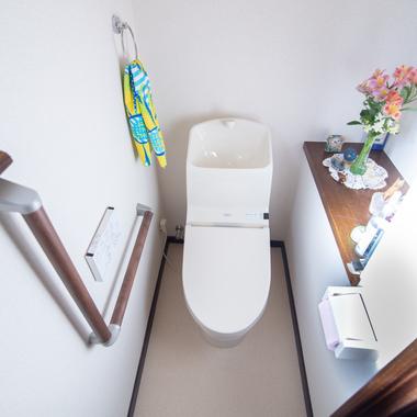 トイレ工事 和式から洋式への施工後写真(1枚目)