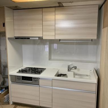 古いキッチンをシステムキッチンへリフォームの施工後写真(0枚目)