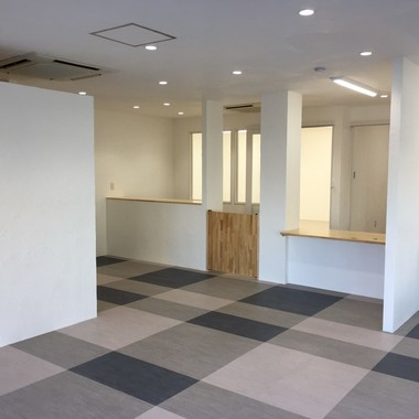 千葉市緑区【調剤薬局・新装工事】の施工後写真(2枚目)