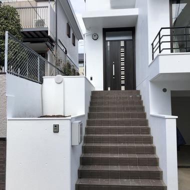 玄関ドア取替 カバー工法/断熱・採風仕様の施工後写真(0枚目)