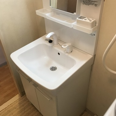 洗面化粧台の取替工事の施工後写真(1枚目)