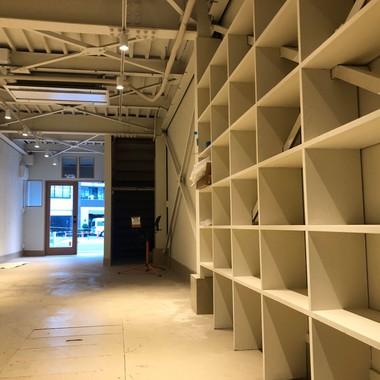 倉庫を、ショールームへの改装の施工後写真(0枚目)