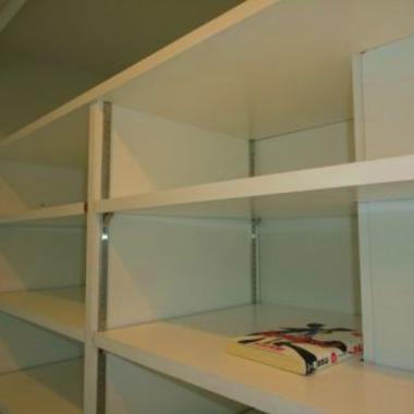 クローゼット内を本棚への工事の施工後写真(0枚目)