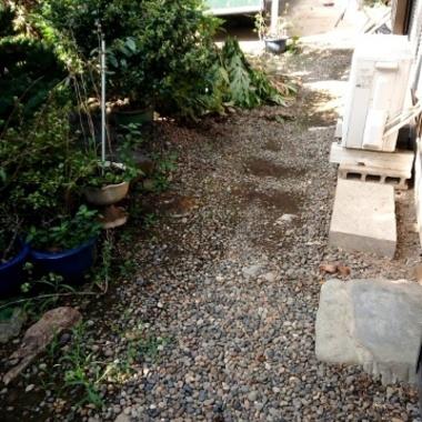 お庭を土から砂利敷きに の施工後写真(1枚目)