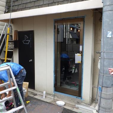 店舗ドアの交換をしました。の施工後写真(1枚目)